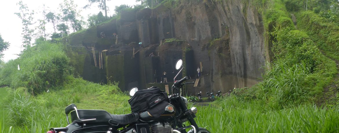 Moto Royale Enfield Indonesie Archipelago Adventure