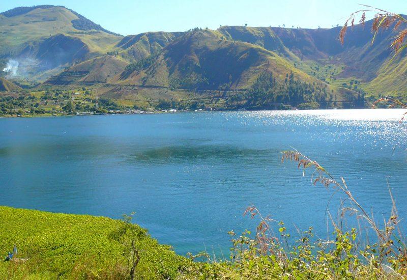 Le tres beau Lac toba